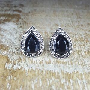 Jewelry - 😍EARRINGS